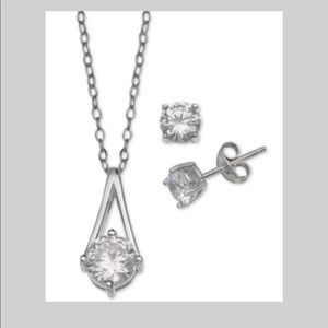 Set Necklace and earrings sterling silver 925💞